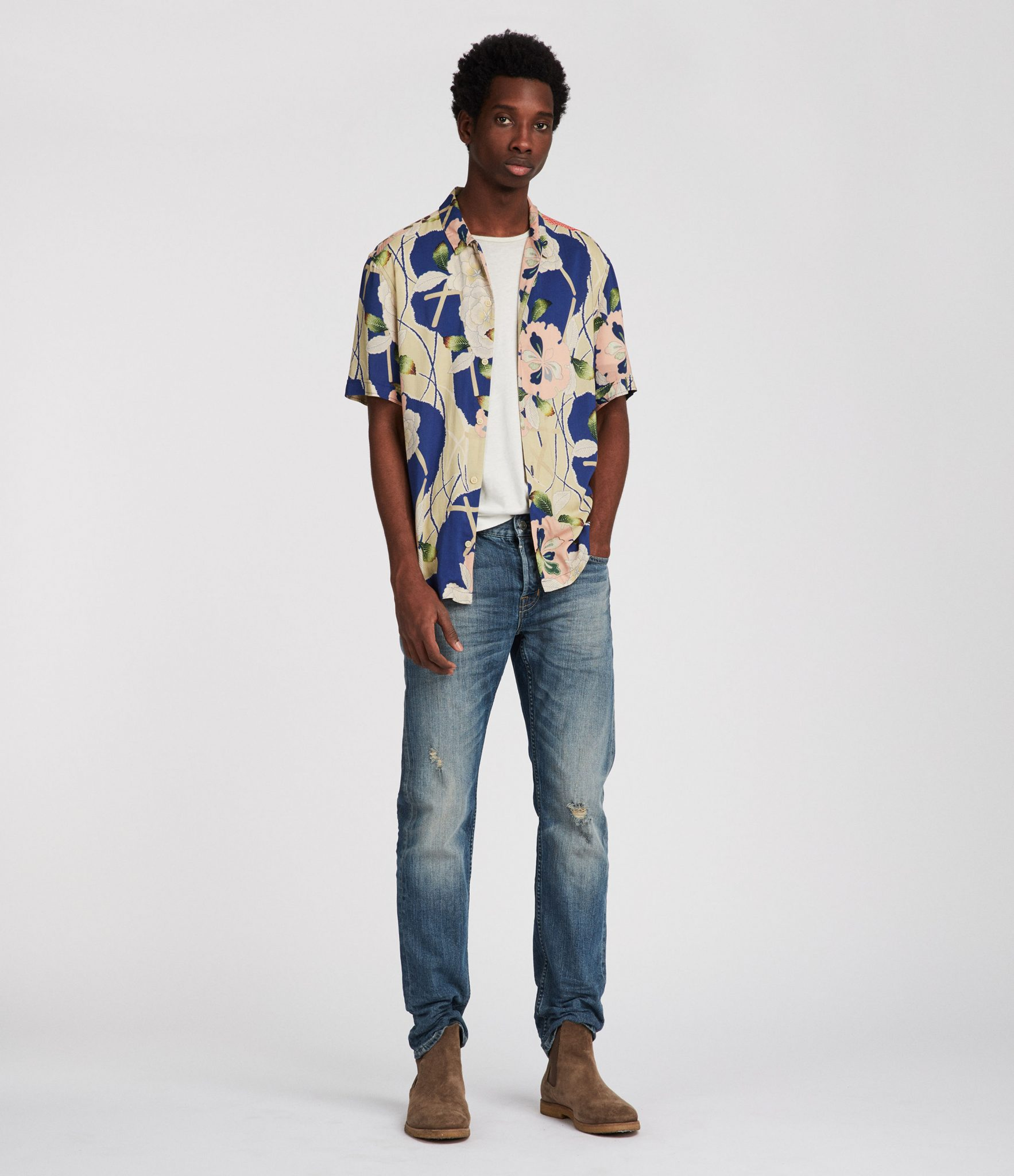 98b61764 How to Wear a Hawaiian Shirt (and Look Cool) | Dapper Confidential