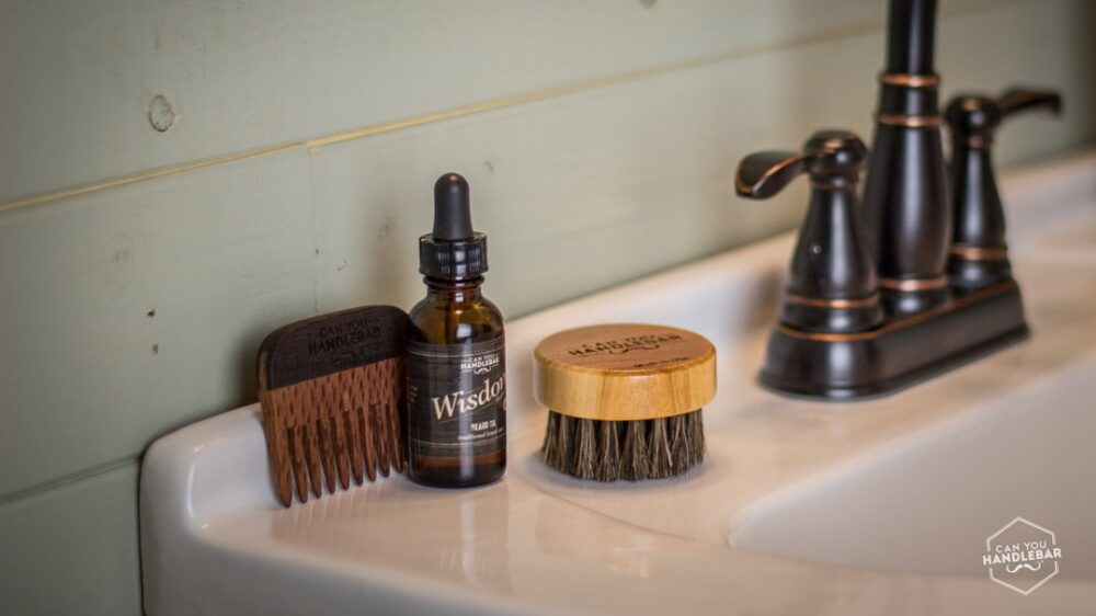 brush comb and bottle for article